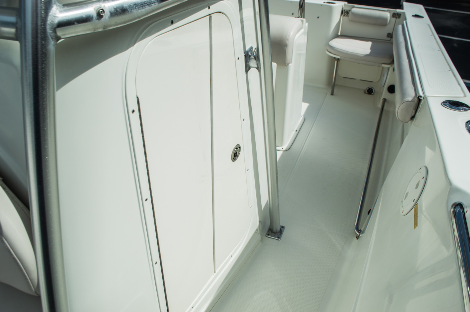 Thumbnail 32 for Used 2006 Sailfish 2360 CC Center Console boat for sale in West Palm Beach, FL