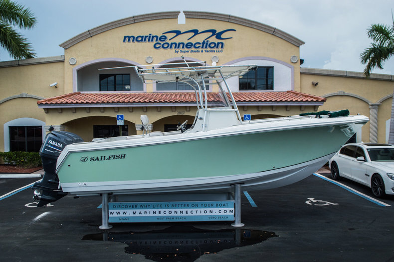 Used 2006 Sailfish 2360 CC Center Console boat for sale in West Palm Beach, FL