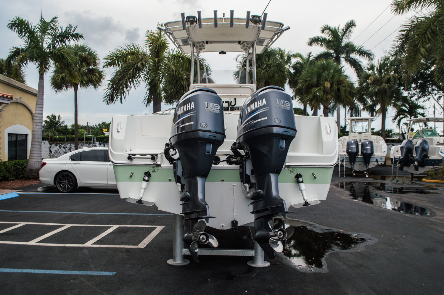 Thumbnail 6 for Used 2006 Sailfish 2360 CC Center Console boat for sale in West Palm Beach, FL