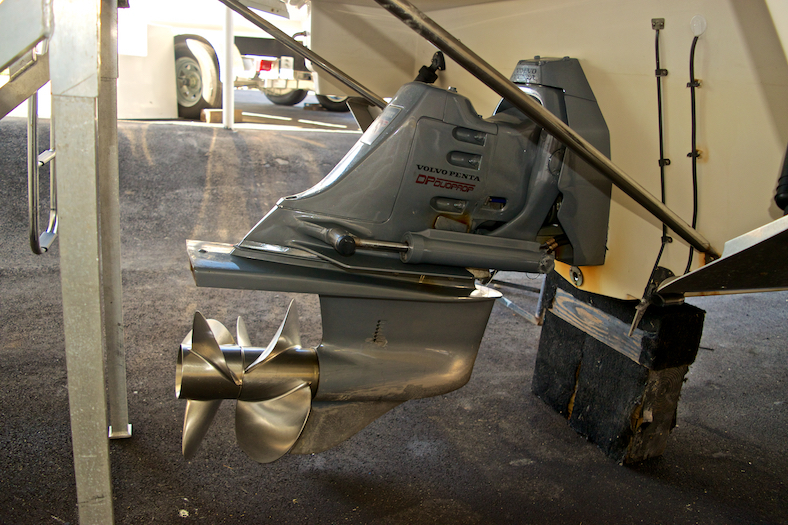 Thumbnail 6 for Used 2002 Regal 2900 LSR Bowrider boat for sale in Miami, FL
