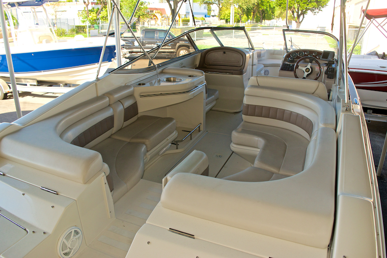 Thumbnail 9 for Used 2002 Regal 2900 LSR Bowrider boat for sale in Miami, FL
