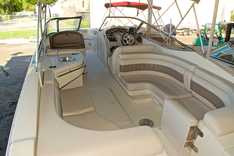 Thumbnail 10 for Used 2002 Regal 2900 LSR Bowrider boat for sale in Miami, FL
