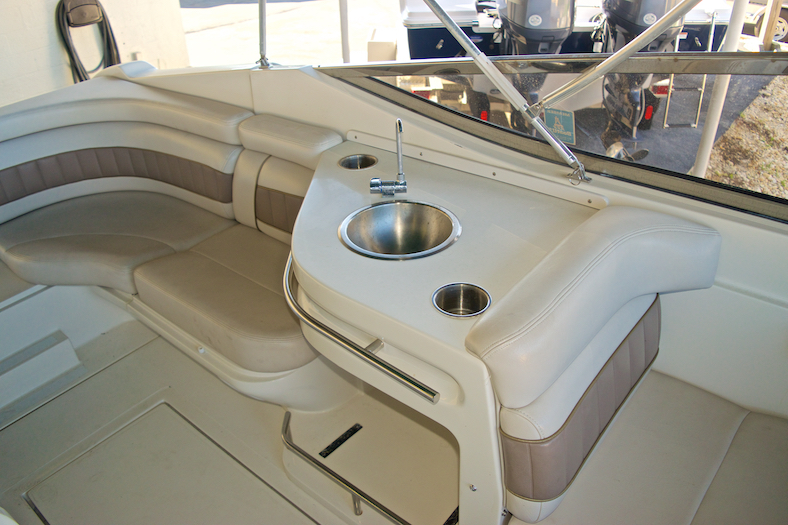 Thumbnail 14 for Used 2002 Regal 2900 LSR Bowrider boat for sale in Miami, FL