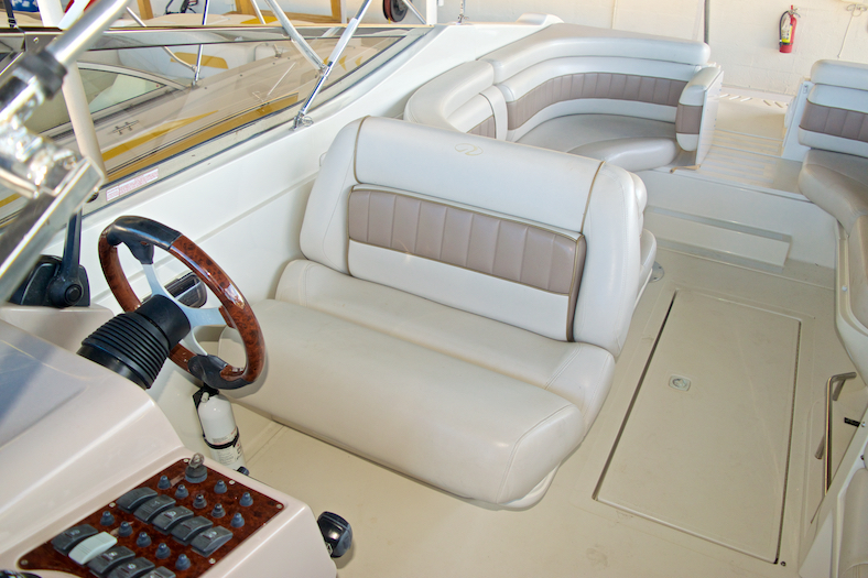 Thumbnail 16 for Used 2002 Regal 2900 LSR Bowrider boat for sale in Miami, FL