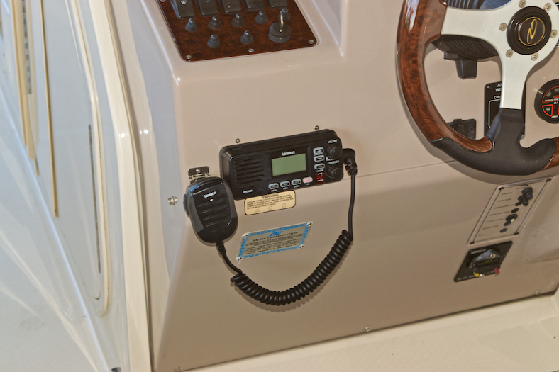 Thumbnail 18 for Used 2002 Regal 2900 LSR Bowrider boat for sale in Miami, FL