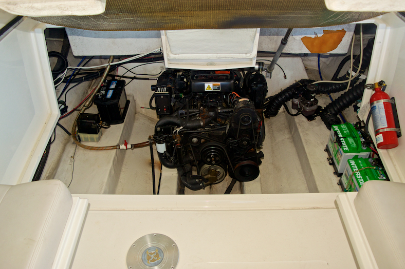 Thumbnail 25 for Used 2002 Regal 2900 LSR Bowrider boat for sale in Miami, FL