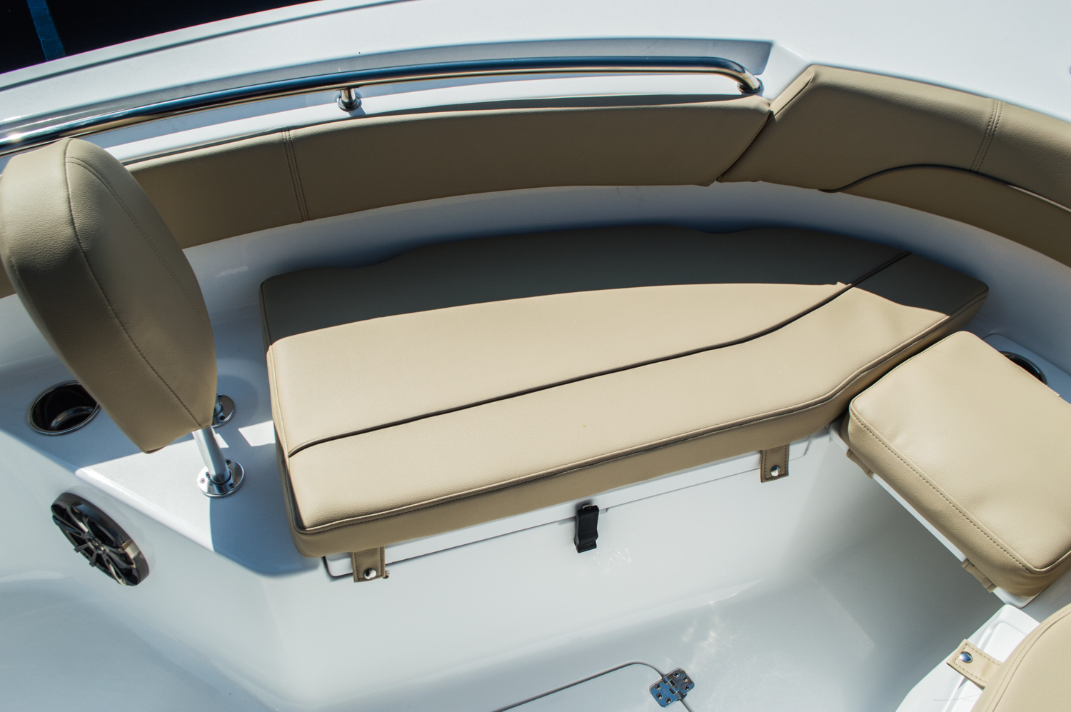 Thumbnail 17 for New 2016 Sportsman Open 212 Center Console boat for sale in West Palm Beach, FL