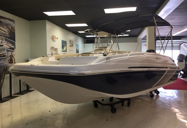 New 2016 Hurricane SunDeck Sport SS 188 OB boat for sale in Miami, FL
