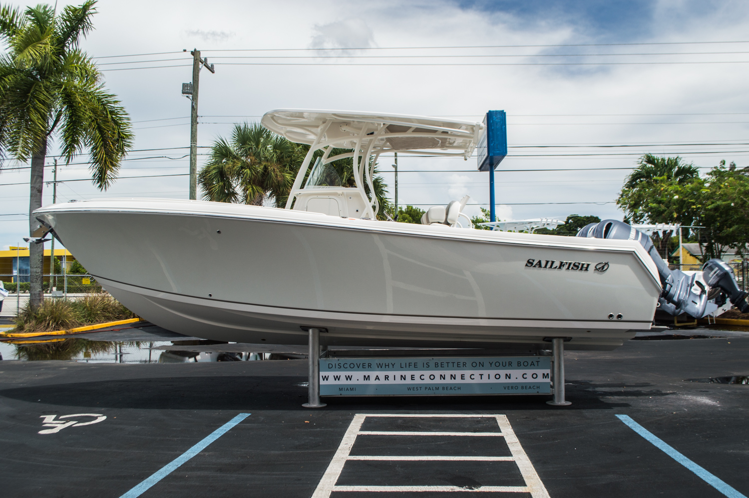 Thumbnail 4 for New 2016 Sailfish 270 CC Center Console boat for sale in West Palm Beach, FL
