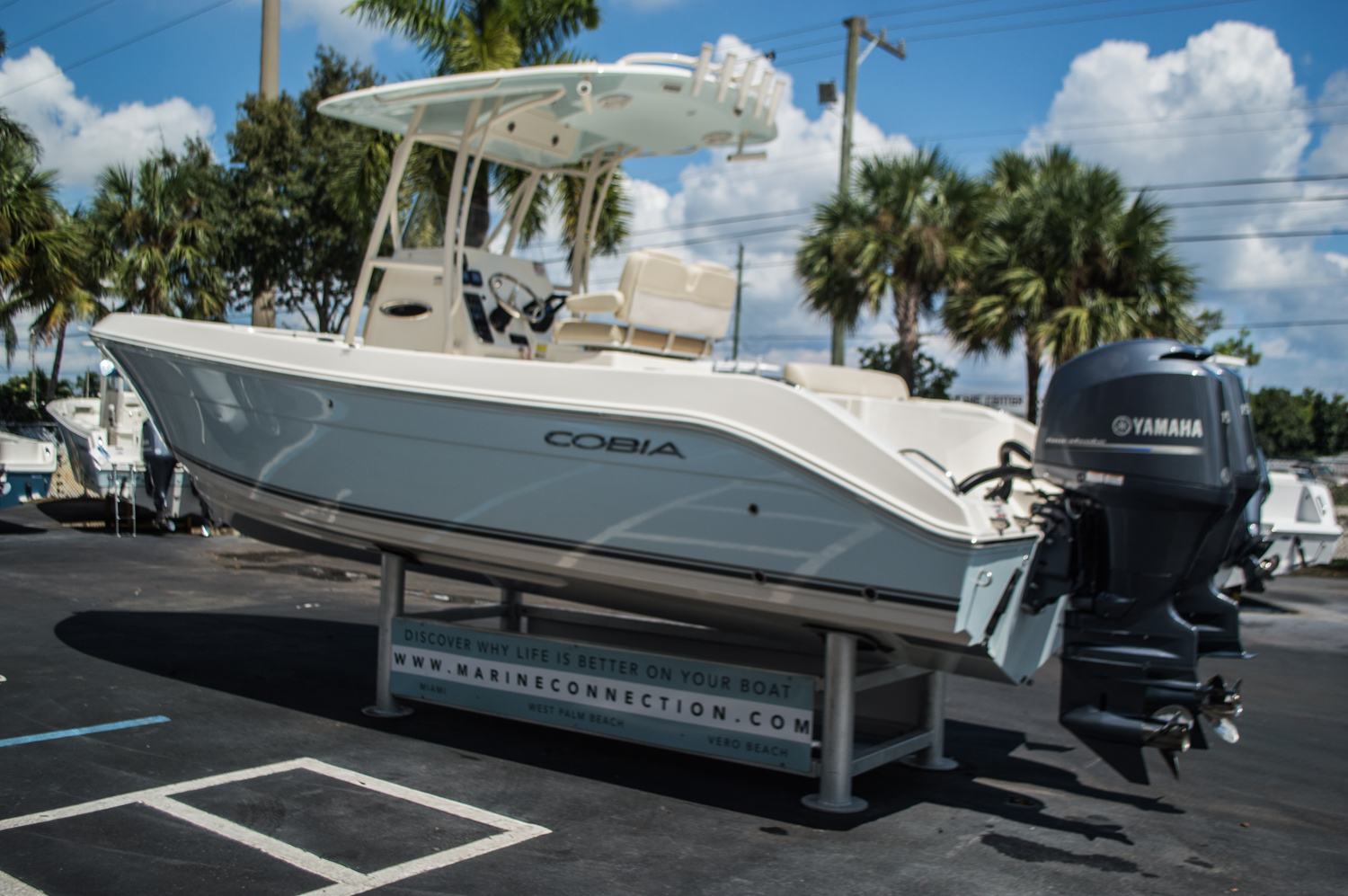 Thumbnail 5 for New 2015 Cobia 256 Center Console boat for sale in West Palm Beach, FL