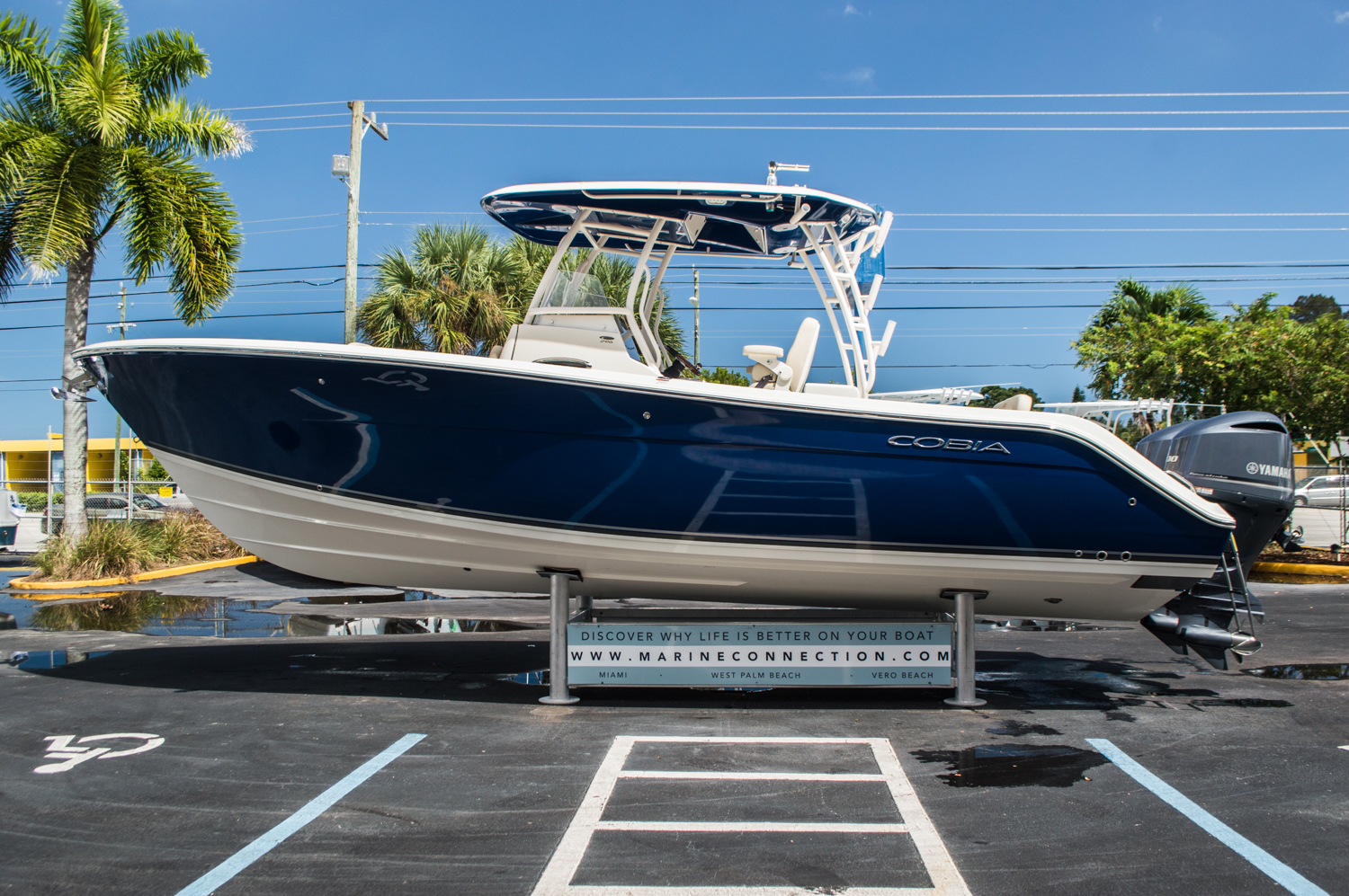 Thumbnail 4 for New 2016 Cobia 296 Center Console boat for sale in West Palm Beach, FL
