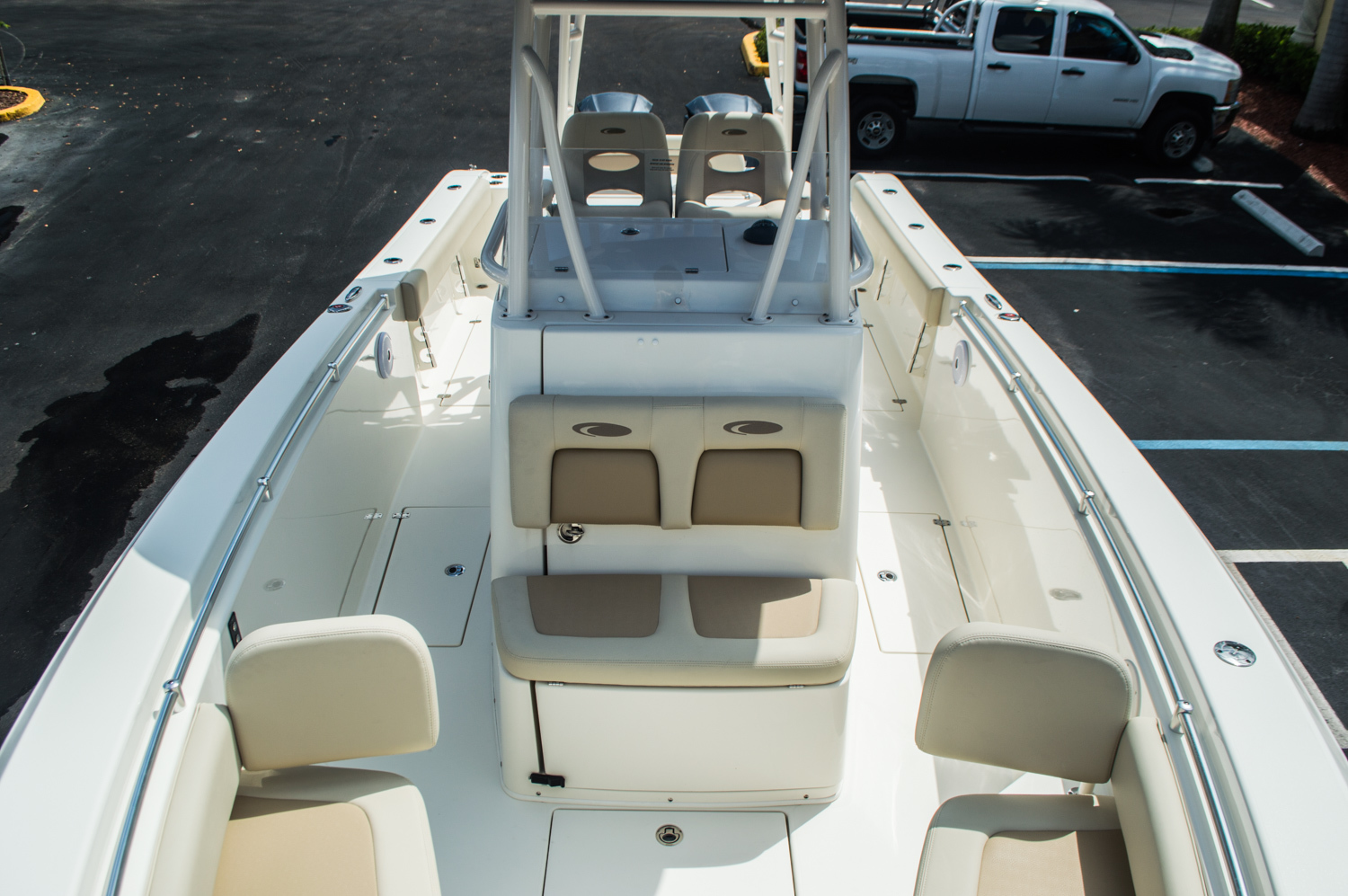 Thumbnail 19 for New 2016 Cobia 296 Center Console boat for sale in West Palm Beach, FL