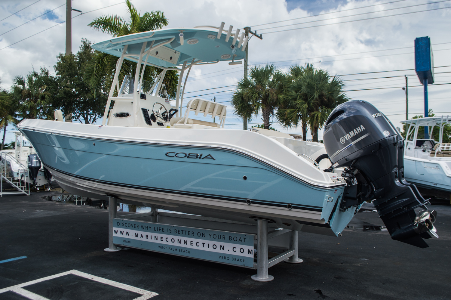 Thumbnail 5 for New 2016 Cobia 256 Center Console boat for sale in Miami, FL