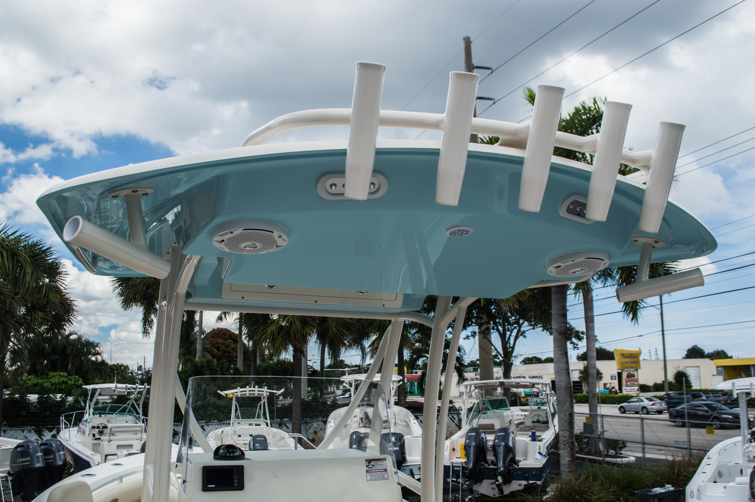 Thumbnail 9 for New 2016 Cobia 256 Center Console boat for sale in Miami, FL