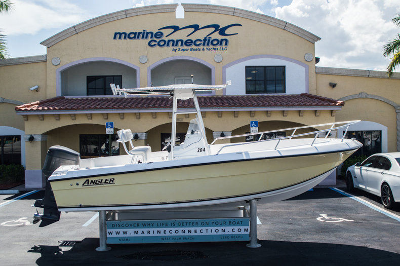Used 2002 Angler 204 CC Center Console boat for sale in West Palm Beach, FL