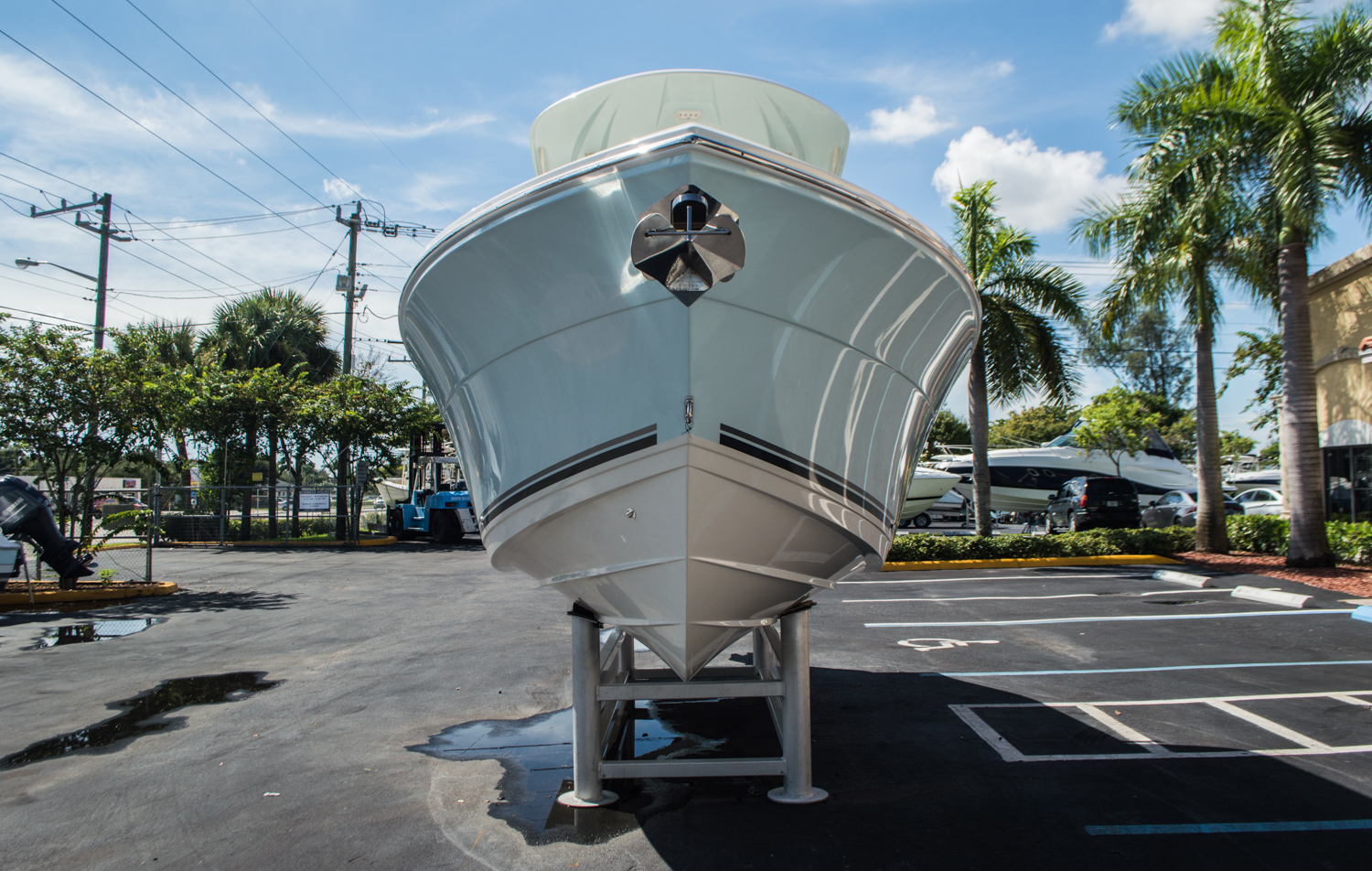 Thumbnail 2 for New 2016 Cobia 237 Center Console boat for sale in Vero Beach, FL