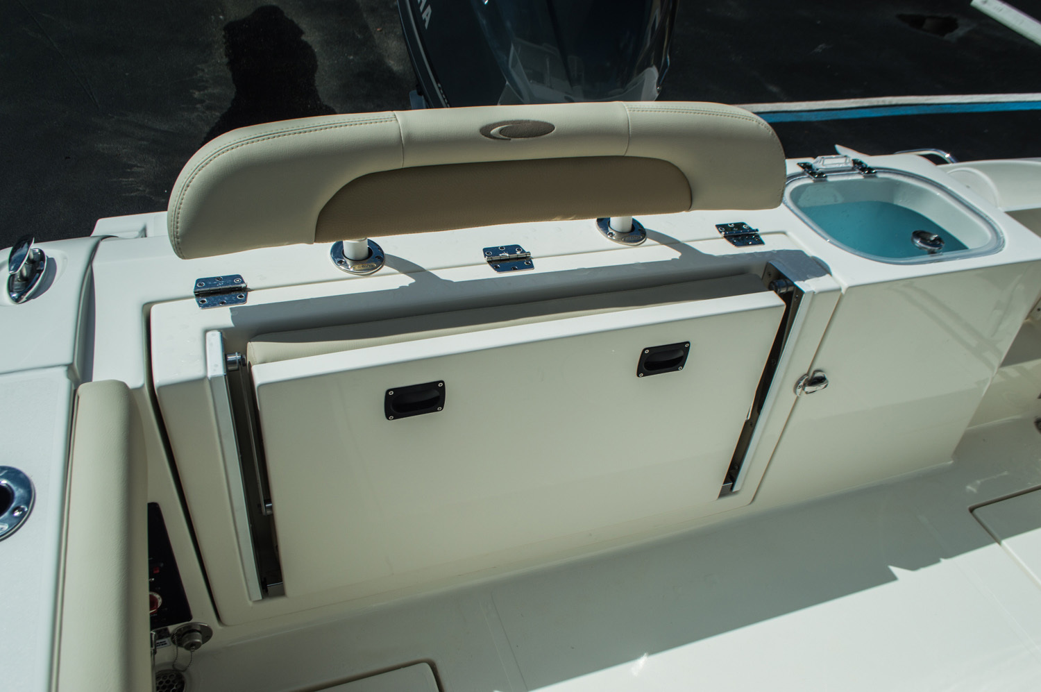 Thumbnail 43 for New 2016 Cobia 237 Center Console boat for sale in Vero Beach, FL