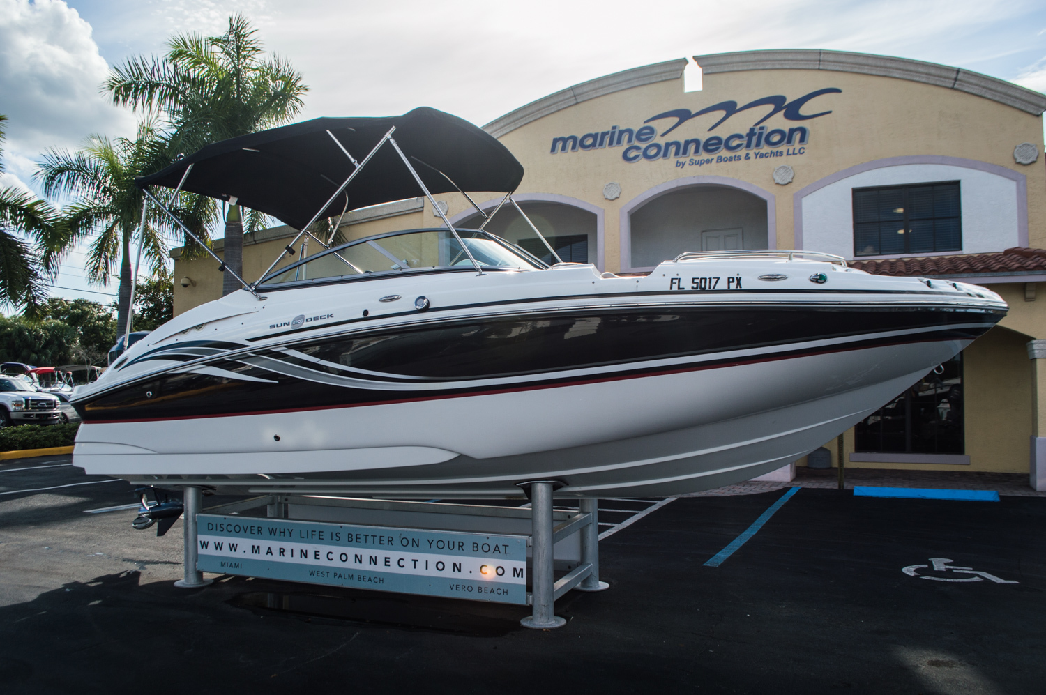 Thumbnail 1 for Used 2014 Hurricane SunDeck SD 2200 DC OB boat for sale in West Palm Beach, FL