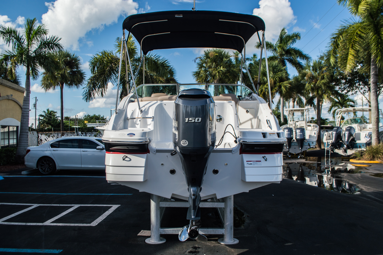 Thumbnail 6 for Used 2014 Hurricane SunDeck SD 2200 DC OB boat for sale in West Palm Beach, FL