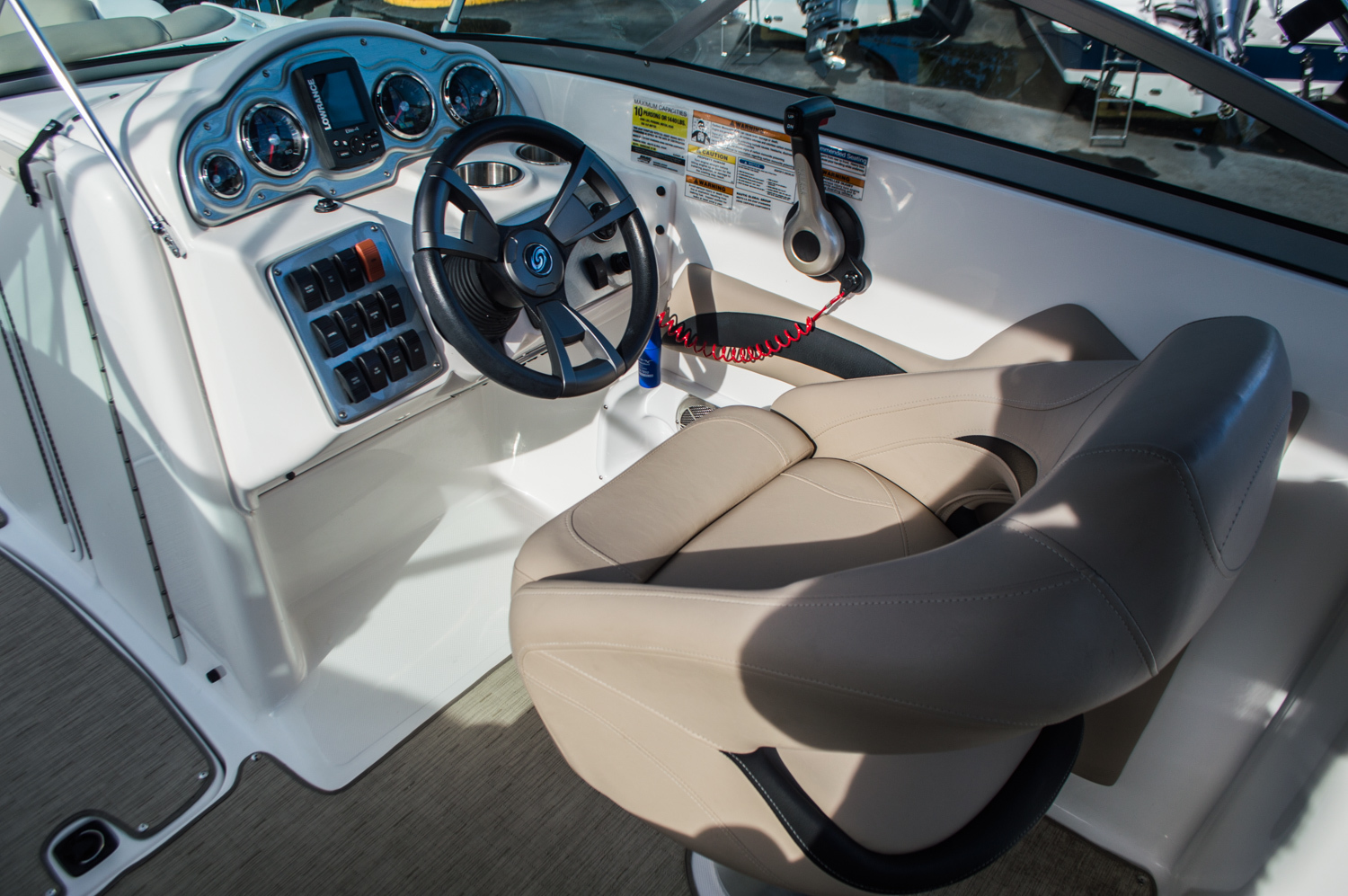 Thumbnail 22 for Used 2014 Hurricane SunDeck SD 2200 DC OB boat for sale in West Palm Beach, FL