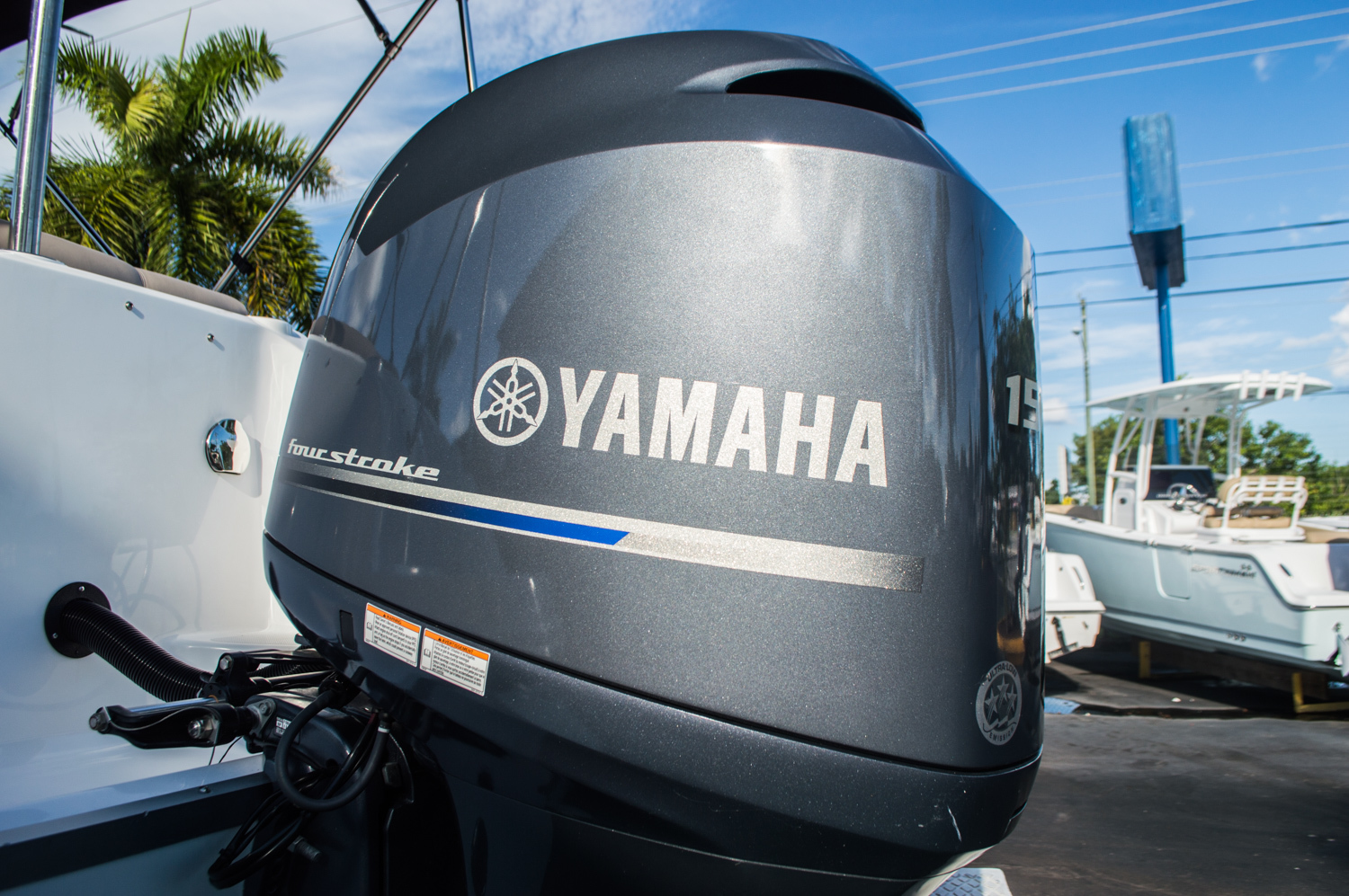 Thumbnail 53 for Used 2014 Hurricane SunDeck SD 2200 DC OB boat for sale in West Palm Beach, FL
