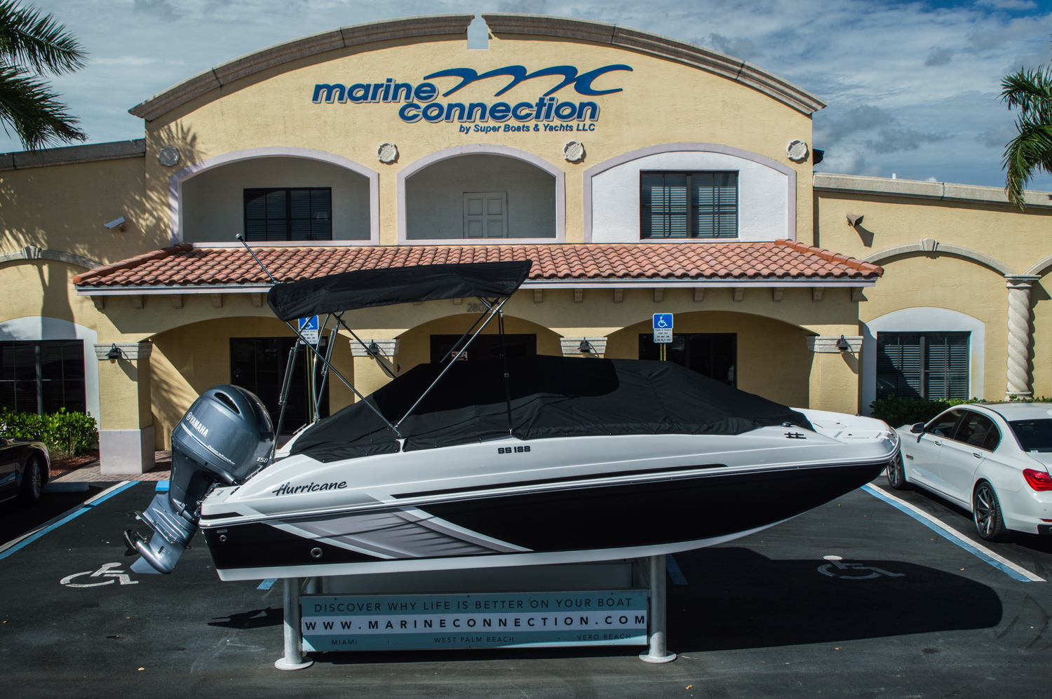 Thumbnail 1 for New 2016 Hurricane SunDeck Sport SS 188 OB boat for sale in West Palm Beach, FL