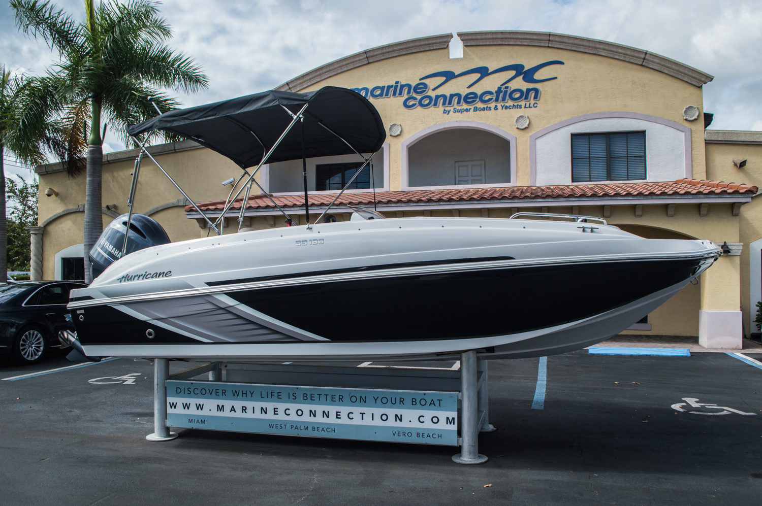 Thumbnail 3 for New 2016 Hurricane SunDeck Sport SS 188 OB boat for sale in West Palm Beach, FL