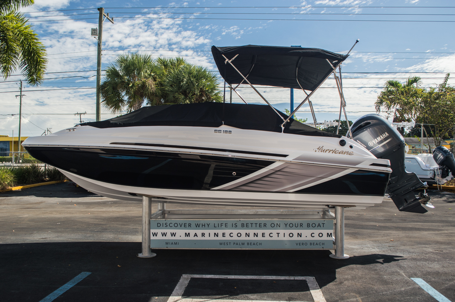 Thumbnail 8 for New 2016 Hurricane SunDeck Sport SS 188 OB boat for sale in West Palm Beach, FL