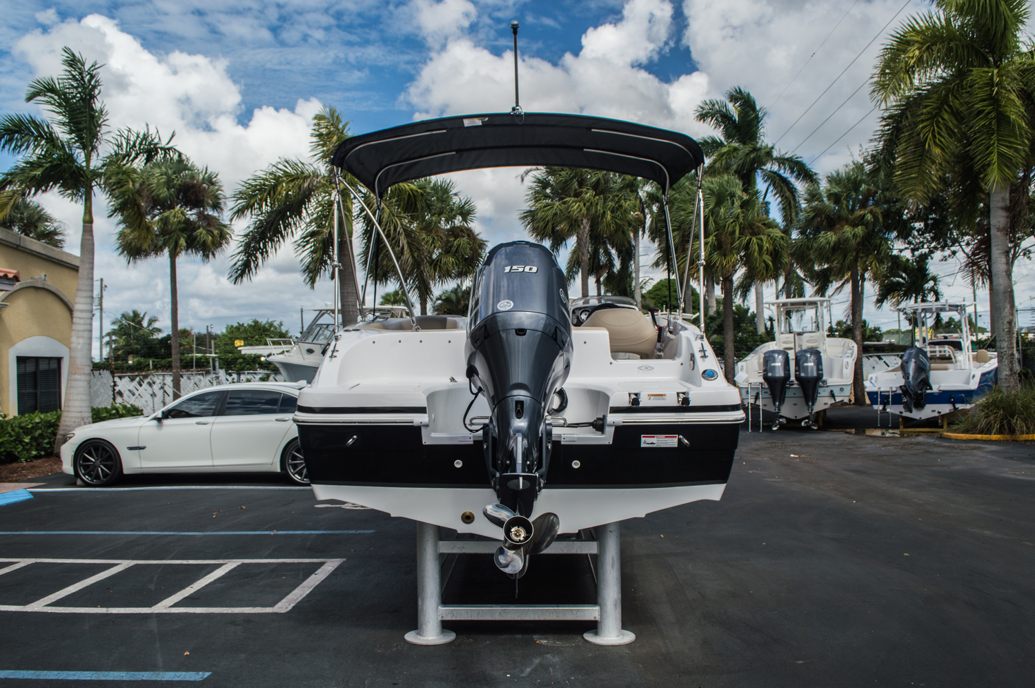 Thumbnail 11 for New 2016 Hurricane SunDeck Sport SS 188 OB boat for sale in West Palm Beach, FL
