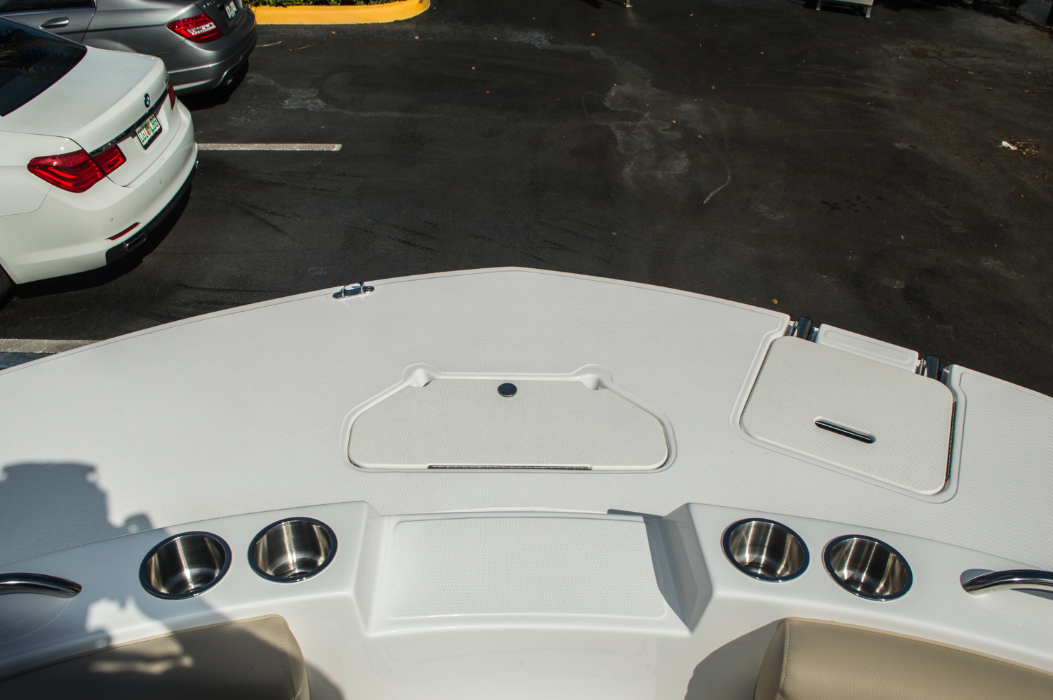 Thumbnail 21 for New 2016 Hurricane SunDeck Sport SS 188 OB boat for sale in West Palm Beach, FL
