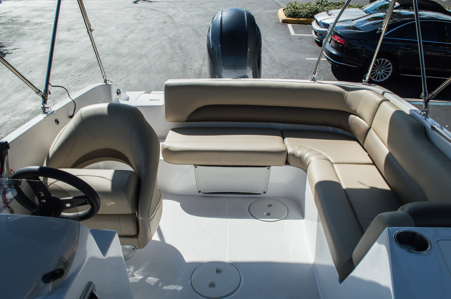 Thumbnail 32 for New 2016 Hurricane SunDeck Sport SS 188 OB boat for sale in West Palm Beach, FL