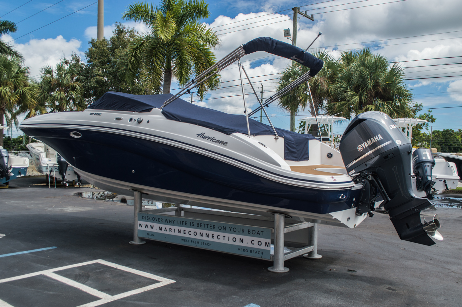 Thumbnail 13 for New 2016 Hurricane SunDeck SD 2690 OB boat for sale in Miami, FL
