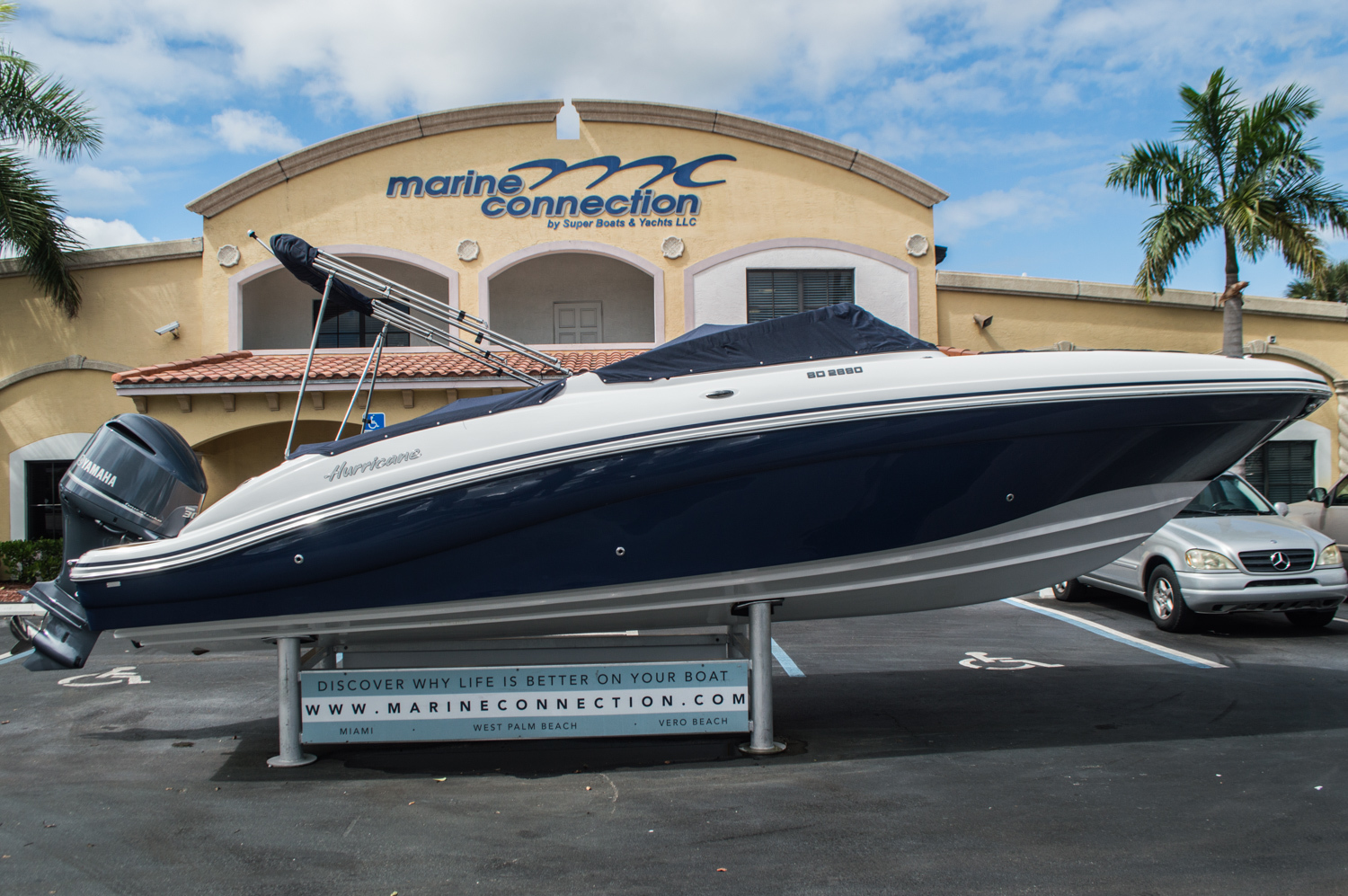 Thumbnail 16 for New 2016 Hurricane SunDeck SD 2690 OB boat for sale in Miami, FL