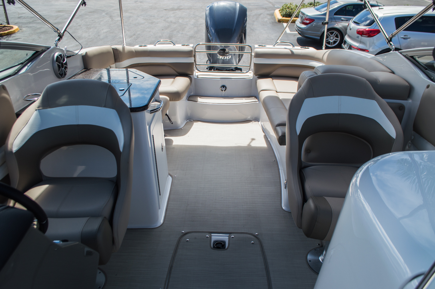 Thumbnail 35 for New 2016 Hurricane SunDeck SD 2690 OB boat for sale in Miami, FL