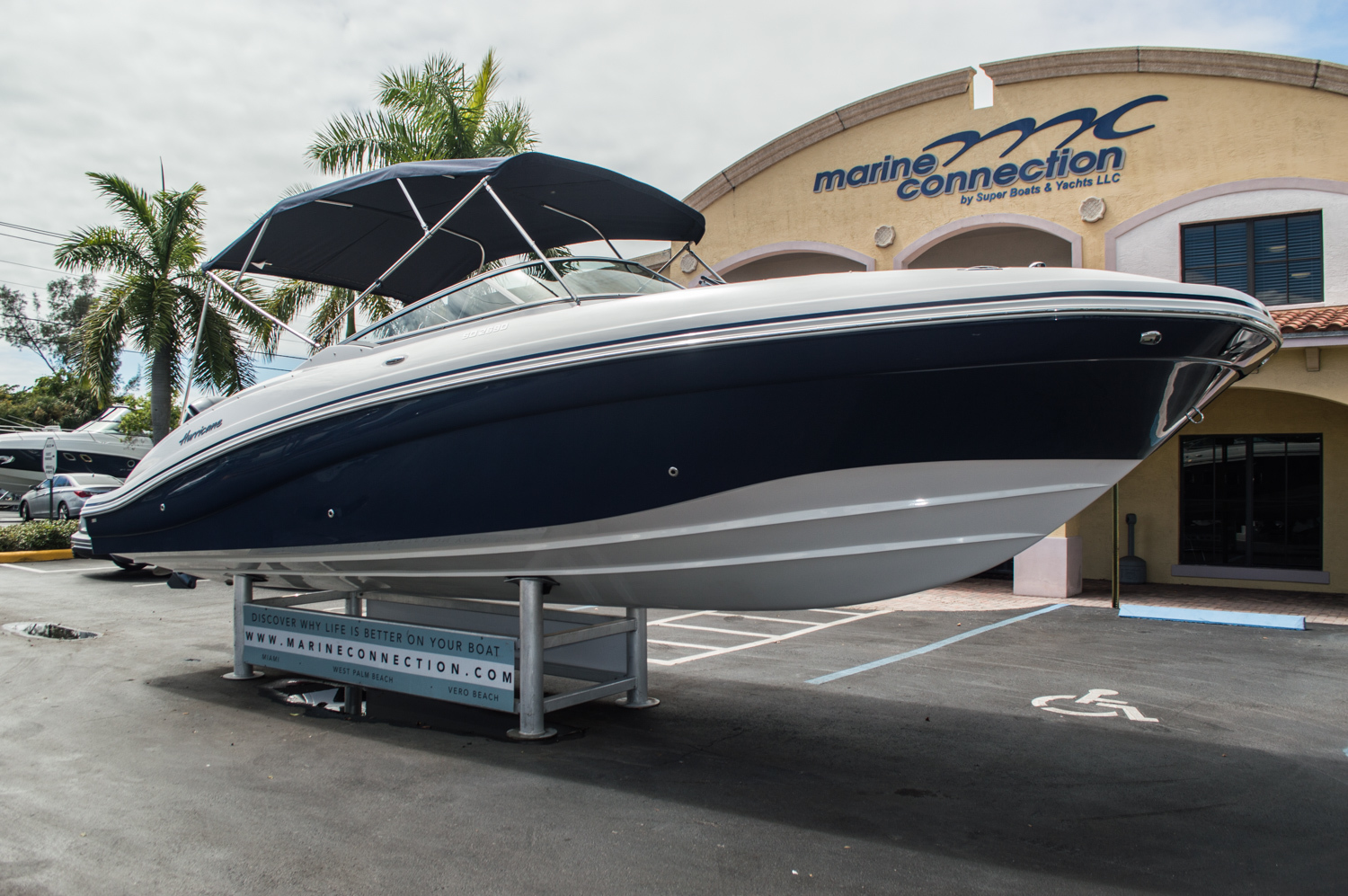 Thumbnail 1 for New 2016 Hurricane SunDeck SD 2690 OB boat for sale in Miami, FL