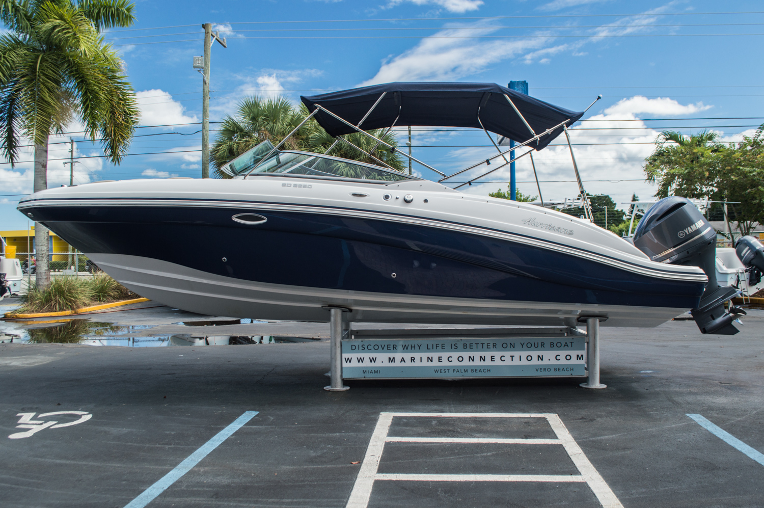Thumbnail 4 for New 2016 Hurricane SunDeck SD 2690 OB boat for sale in Miami, FL