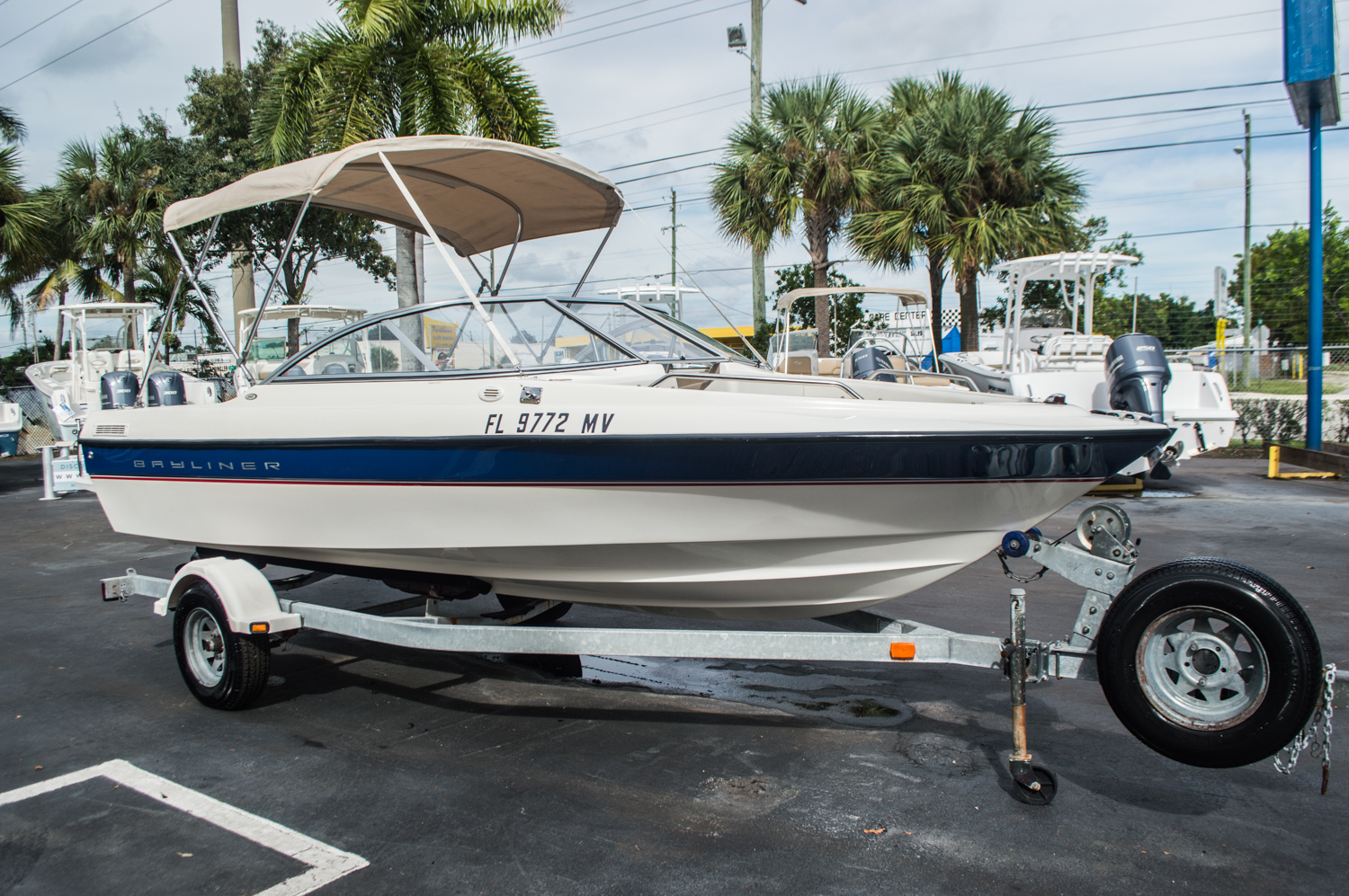 Thumbnail 5 for Used 2005 Bayliner 195 Classic boat for sale in West Palm Beach, FL