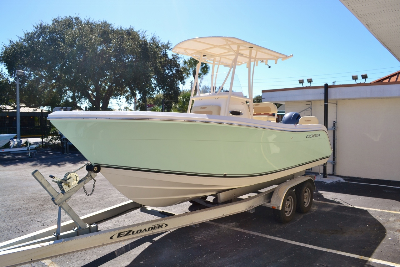 Thumbnail 3 for New 2016 Cobia 217 Center Console boat for sale in Vero Beach, FL