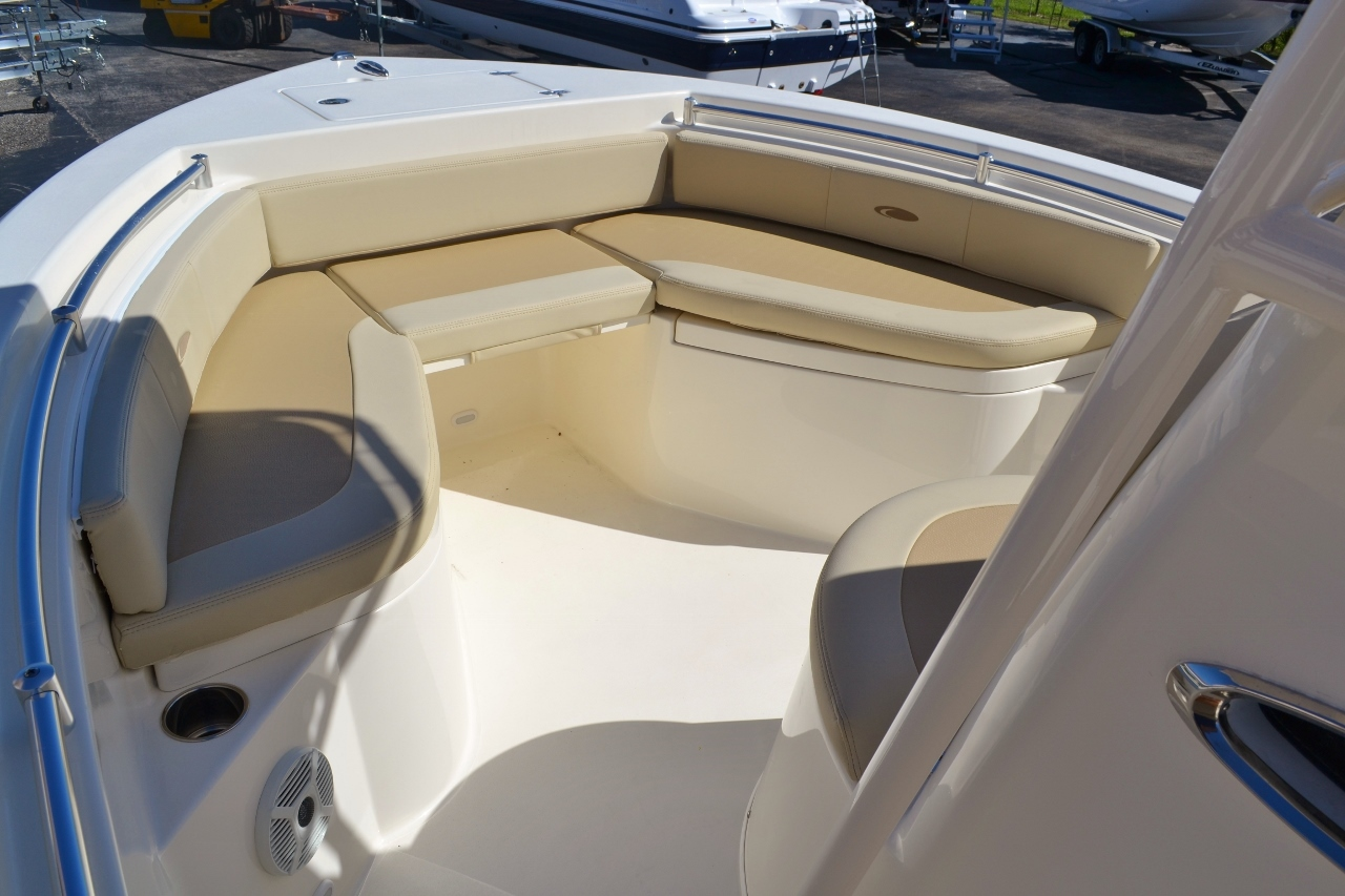 Thumbnail 13 for New 2016 Cobia 217 Center Console boat for sale in Vero Beach, FL