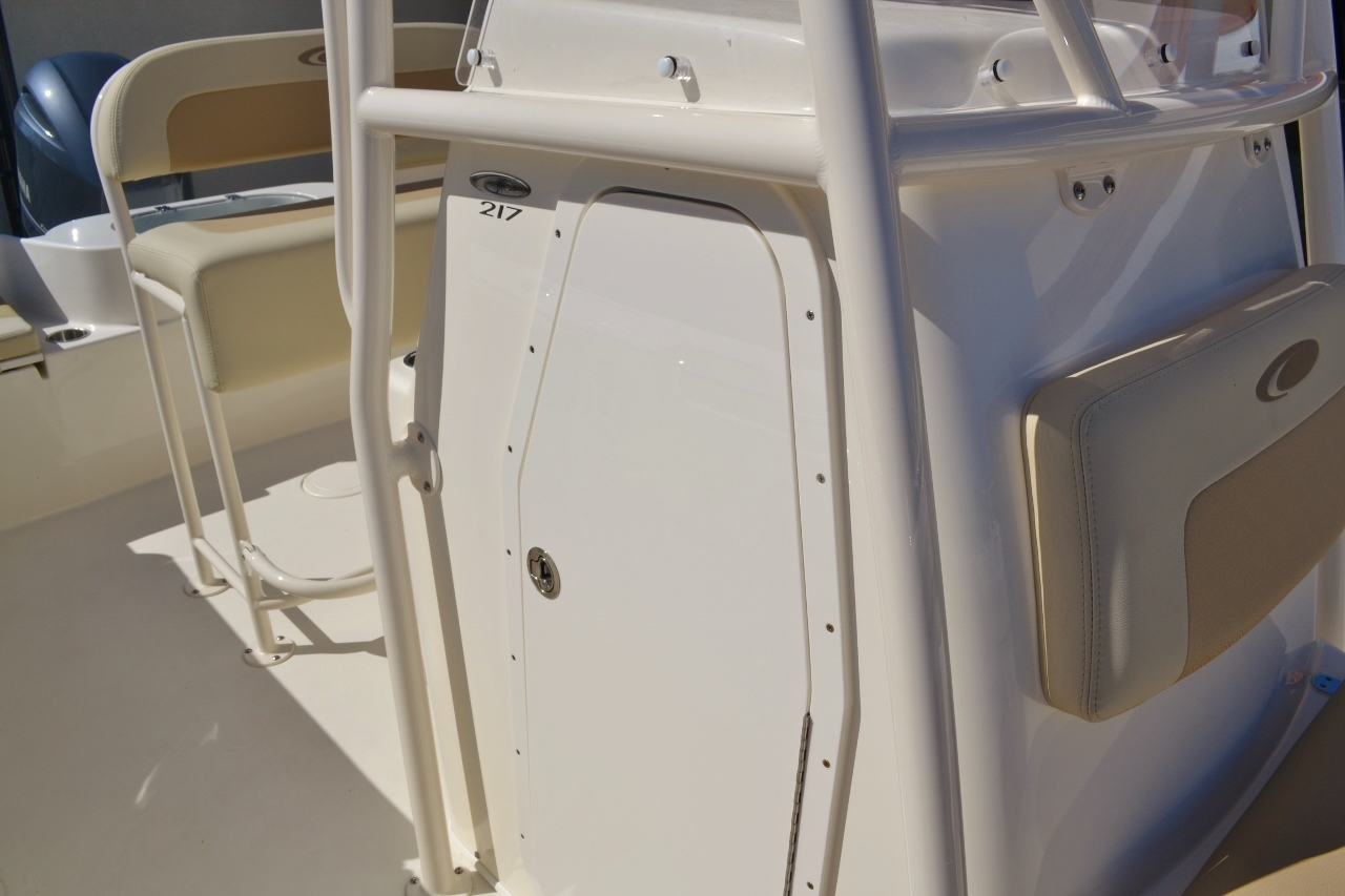 Thumbnail 16 for New 2016 Cobia 217 Center Console boat for sale in Vero Beach, FL