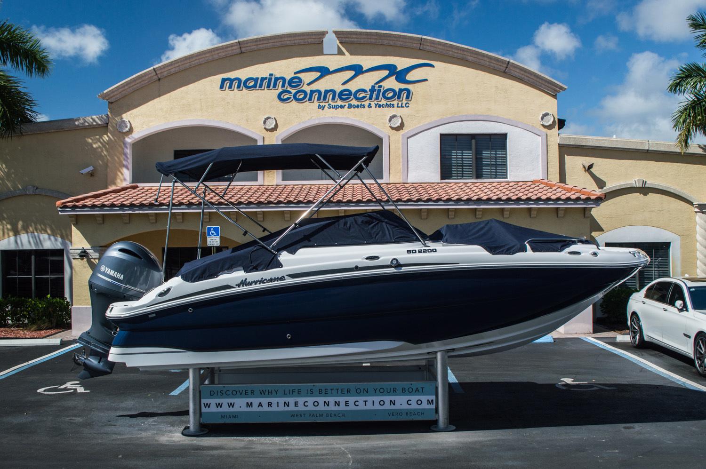 Thumbnail 7 for New 2016 Hurricane SunDeck SD 2200 OB boat for sale in Vero Beach, FL