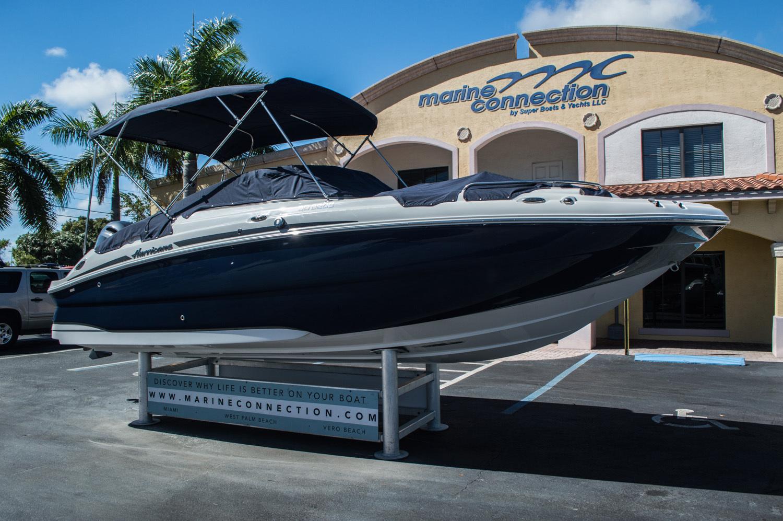 Thumbnail 8 for New 2016 Hurricane SunDeck SD 2200 OB boat for sale in Vero Beach, FL