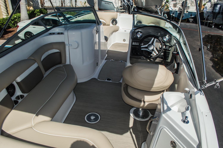Thumbnail 15 for New 2016 Hurricane SunDeck SD 2200 OB boat for sale in Vero Beach, FL
