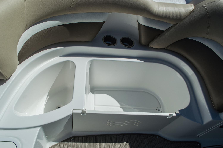 Thumbnail 23 for New 2016 Hurricane SunDeck SD 2200 OB boat for sale in Vero Beach, FL