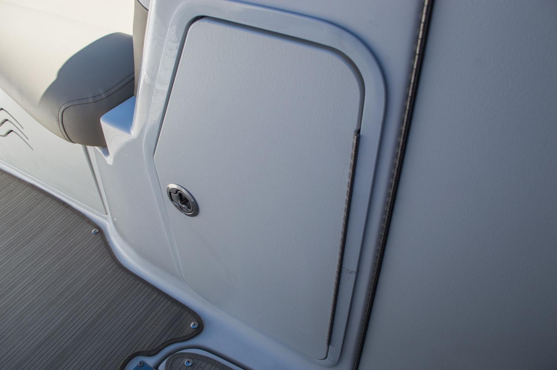 Thumbnail 31 for New 2016 Hurricane SunDeck SD 2200 OB boat for sale in Vero Beach, FL