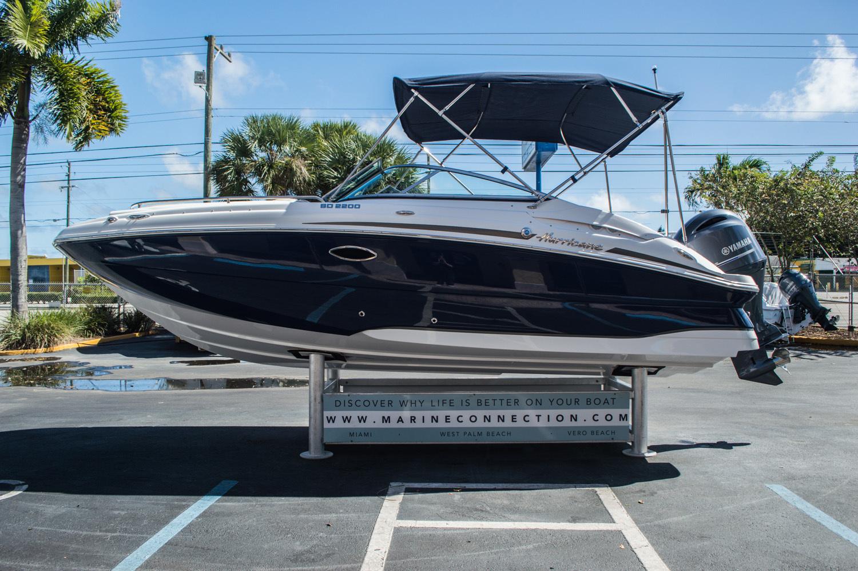 Thumbnail 3 for New 2016 Hurricane SunDeck SD 2200 OB boat for sale in Vero Beach, FL