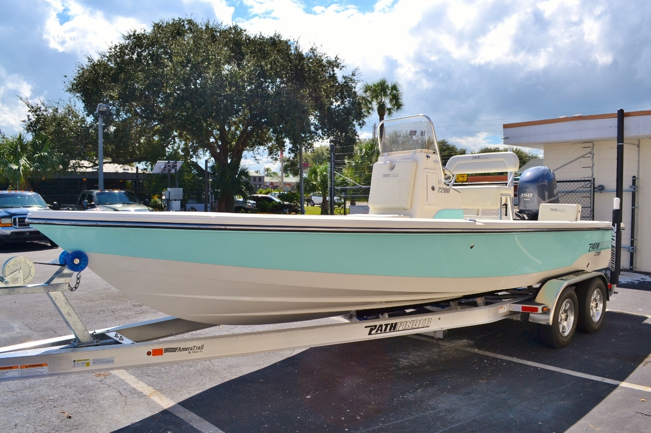 Thumbnail 3 for New 2016 Pathfinder 2200 TRS Bay Boat boat for sale in Vero Beach, FL