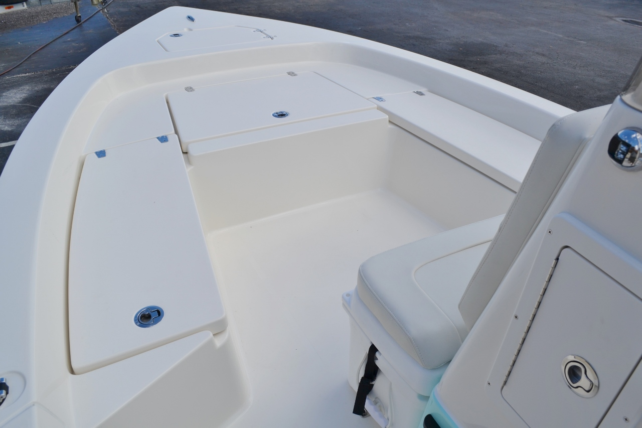 Thumbnail 14 for New 2016 Pathfinder 2200 TRS Bay Boat boat for sale in Vero Beach, FL