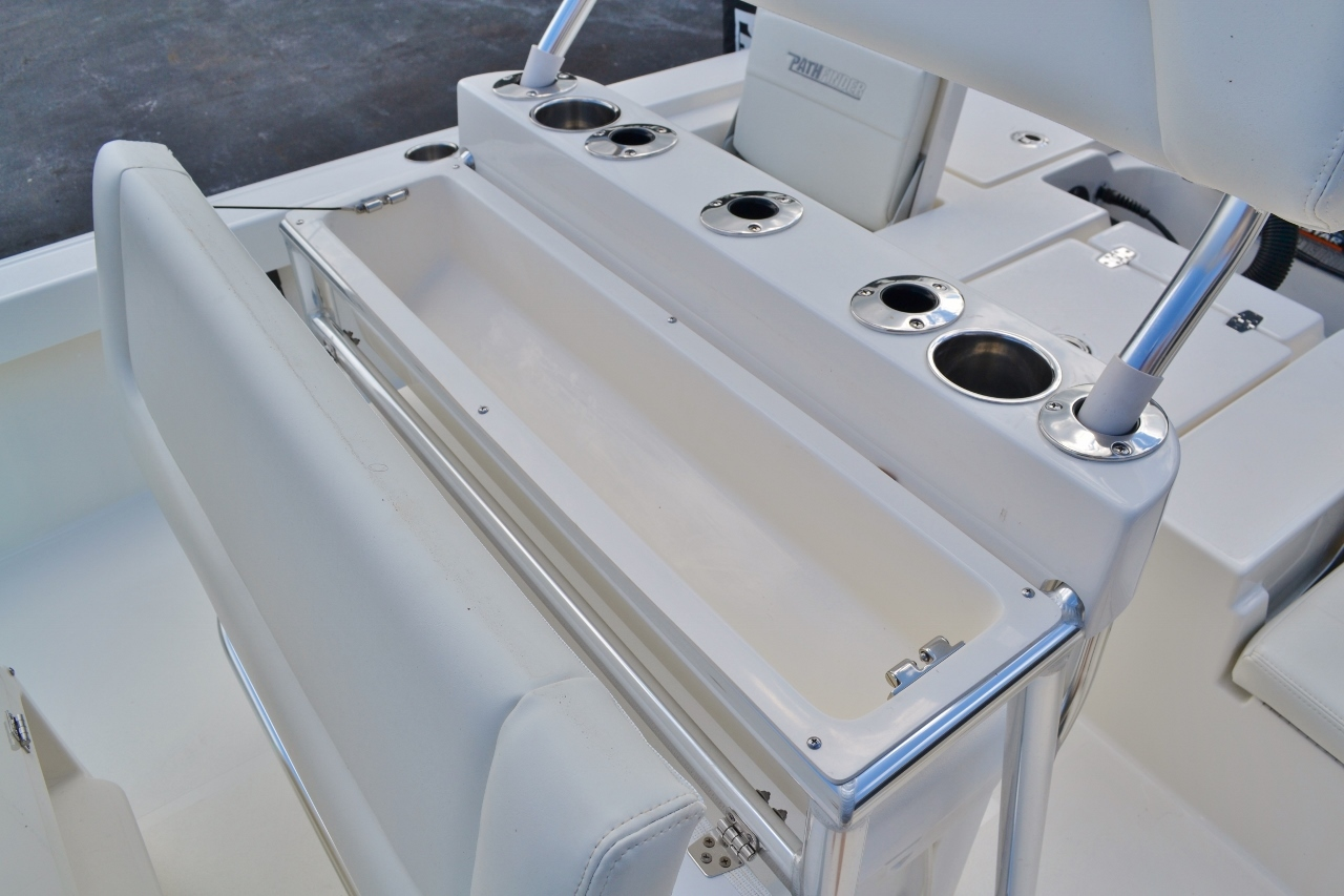 Thumbnail 20 for New 2016 Pathfinder 2200 TRS Bay Boat boat for sale in Vero Beach, FL