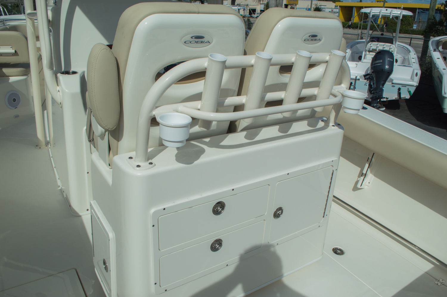 Thumbnail 61 for New 2016 Cobia 277 Center Console boat for sale in West Palm Beach, FL